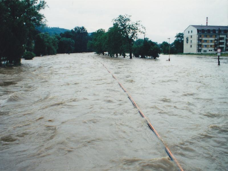 Řeka odra v odrách za povodně 1997